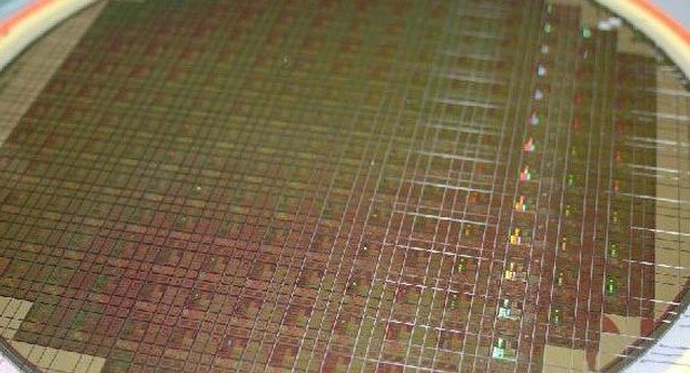 Global Foundries start producing 14 nm chips in 2015