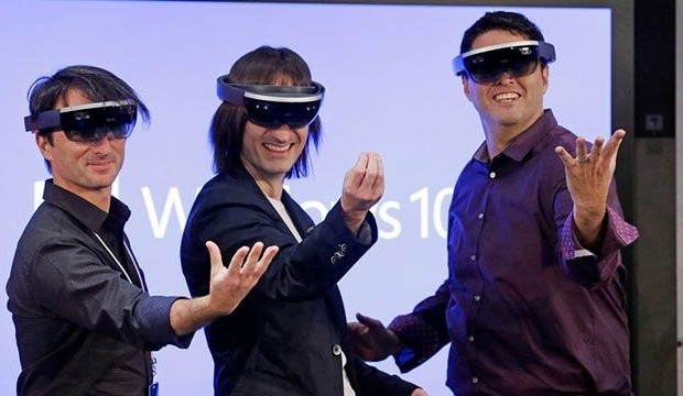 The reaction of the gaming industry on the glasses HoloLens