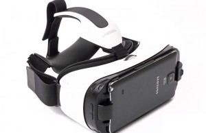 Review of Samsung GALAXY Gear VR: let's go for a walk on parallel worlds!