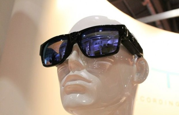 Glasses Lyte support 1080p-entry and 15-megapixel photographing
