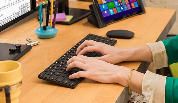 Microsoft Designer Bluetooth Desktop: a set of keyboard and mouse for $ 100
