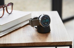 Rechargeable Apple Watch is compatible with Motorola Moto 360