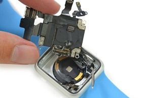 Experts iFixit disassembled Apple Watch and appreciate their maintainability
