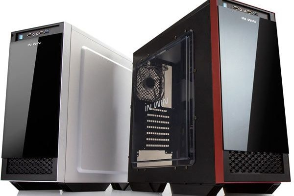 Sliding front panel of the computer case In Win 503 is made of tempered glass