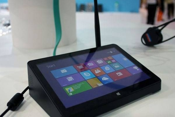 Nettop Pipo X8 endowed with its own touchscreen